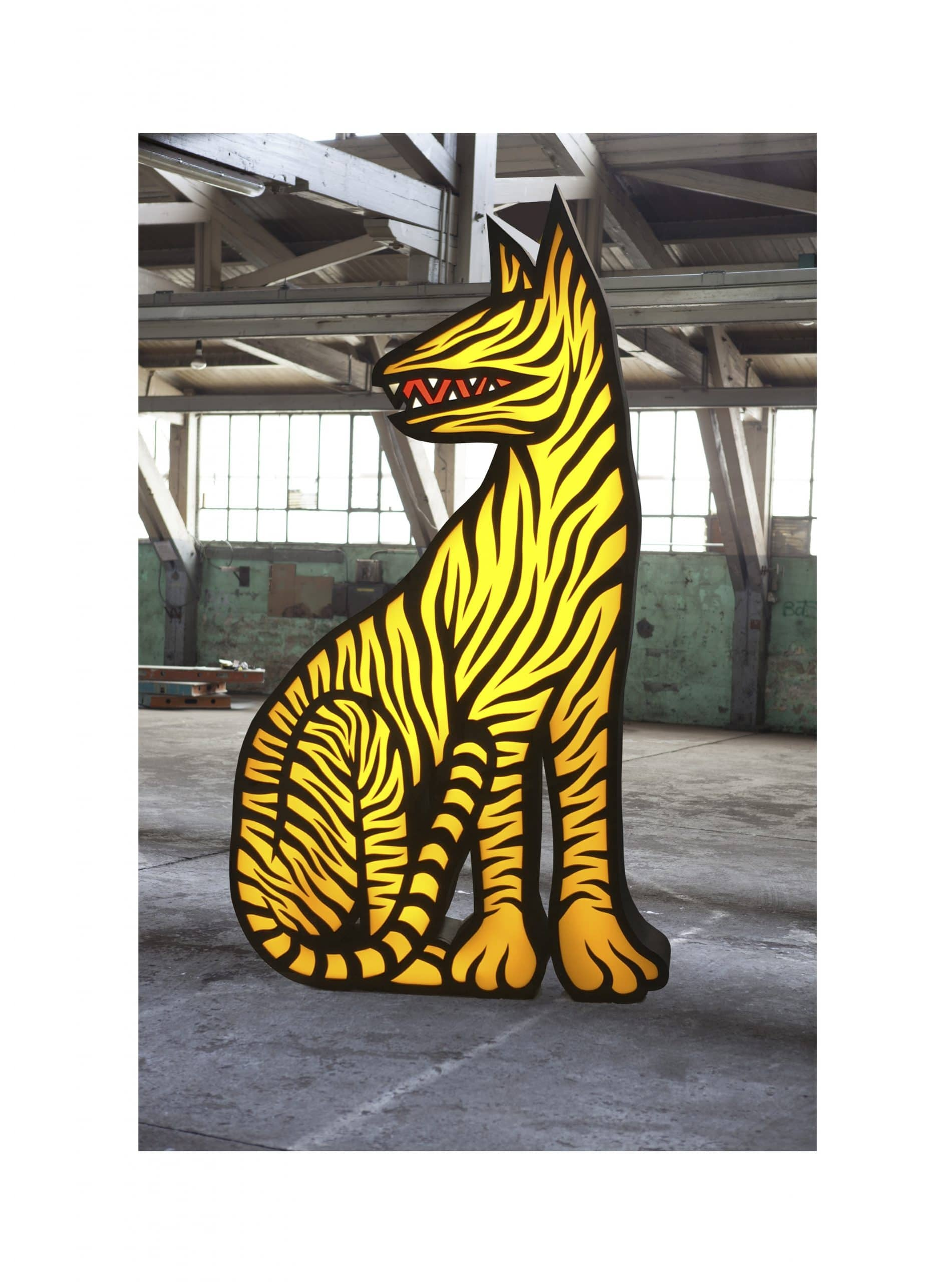 reclining tiger xl - iwan smit